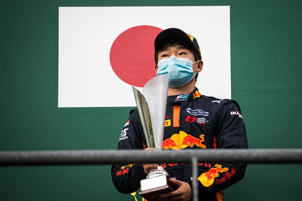يوكي تسونادو سائق ريد بل فورمولا 2